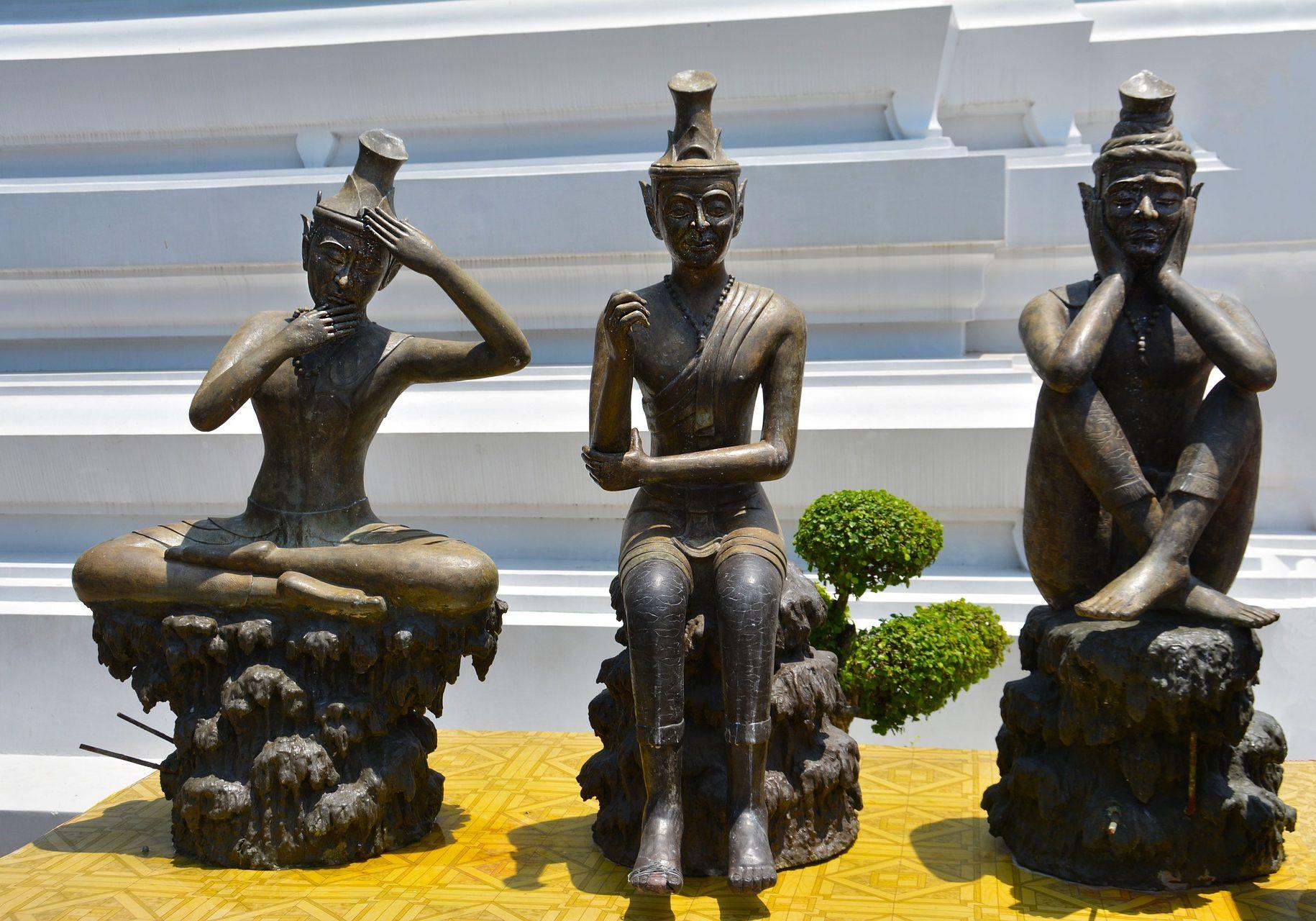 thai-yoga-statues-1383550_1920